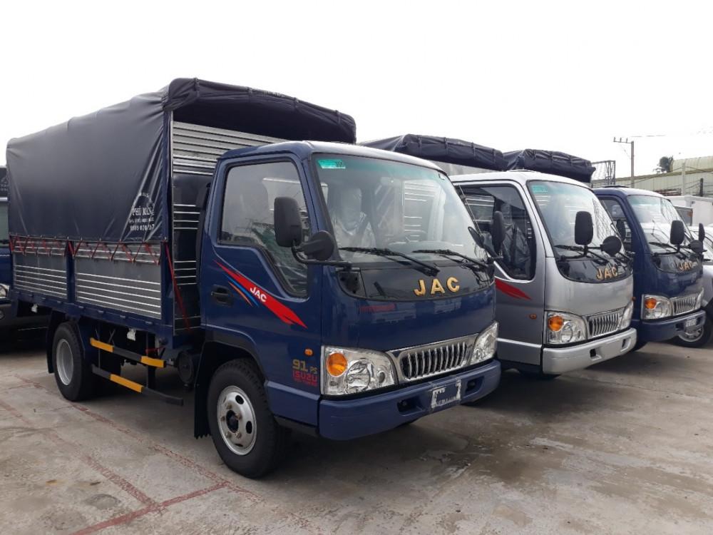 Giá xe tải Jac 2t4 thùng bạt giá bao nhiêu?