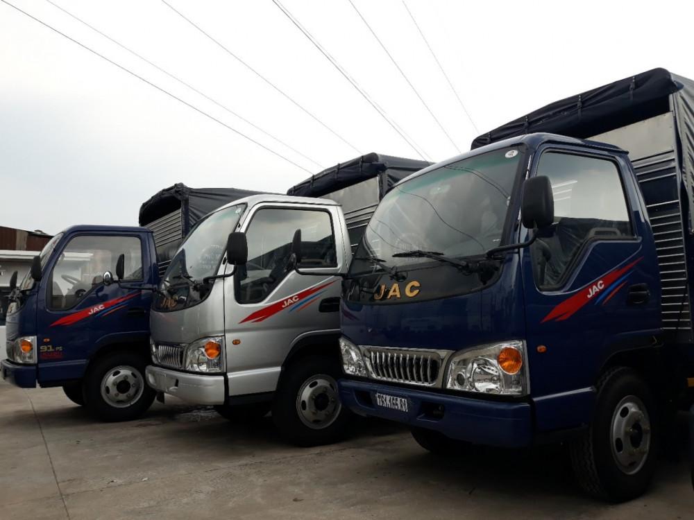 Mua xe tải Jac 2t4 đủ thùng hàng, xe vào TP dễ dàng, có sẵn xe giao ngay