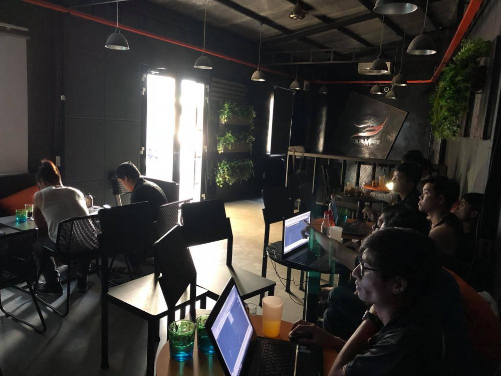 Đội ngũ nhân viên kỹ thuật tại Màn hình Led Âu Lạc (Alta Media)