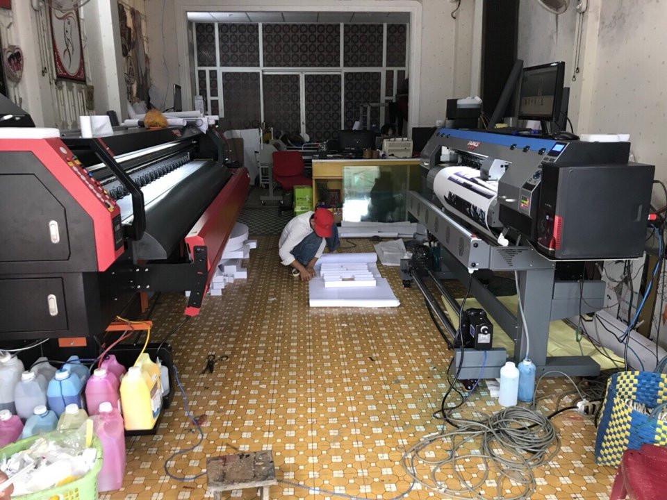 Xưởng in trang bị máy in decal khổ nhỏ