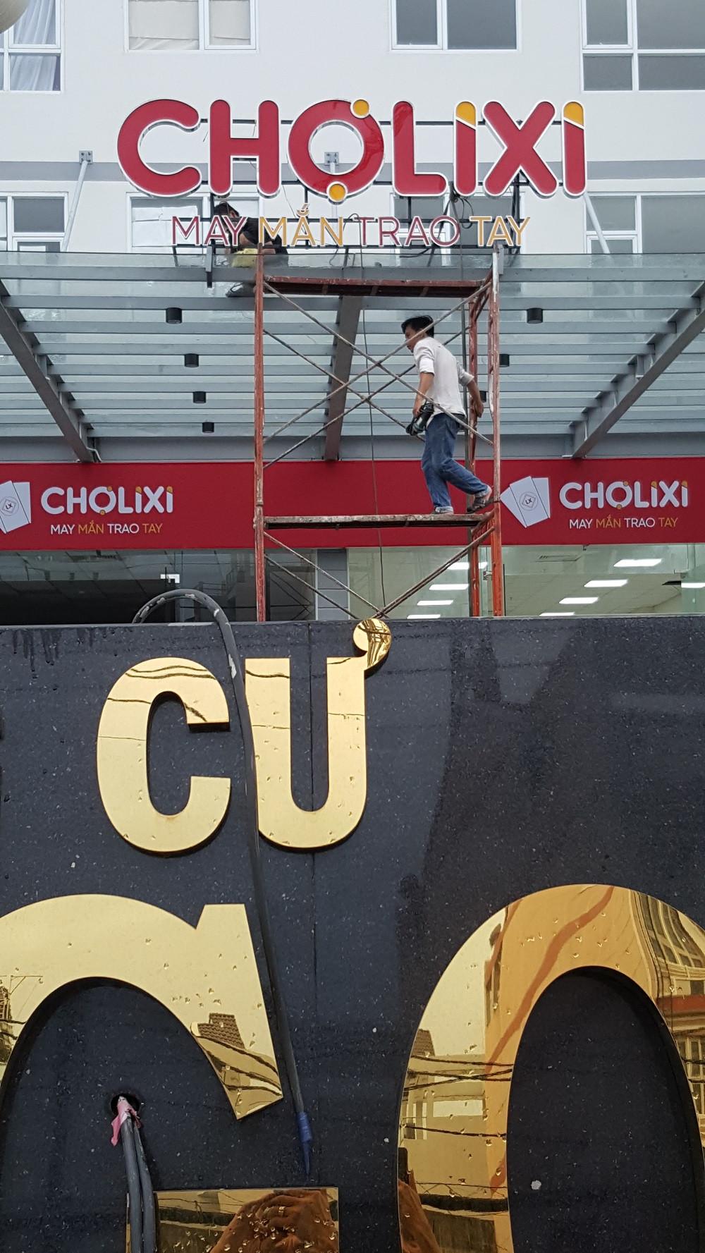 Thi công làm bảng hiệu chữ nổi cho trung tâm thương mại lớn TPHCM - Bảng hiệu chữ inox chung cư