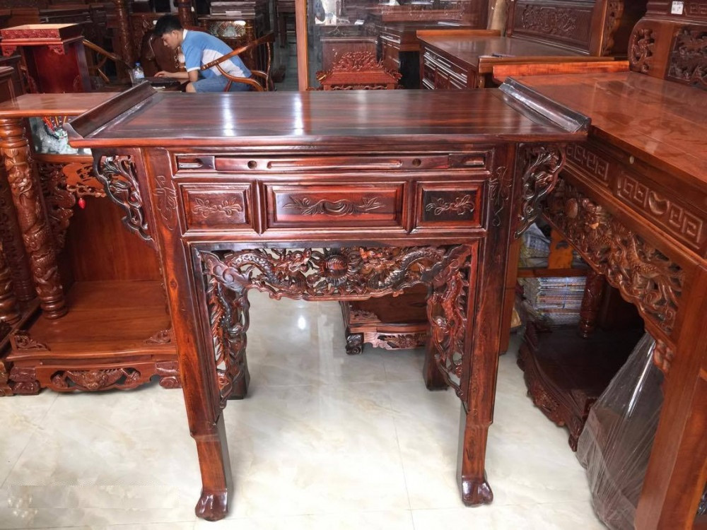 Cách sắp xếp, bài trí mẫu tủ bàn thờ gia tiên gỗ muồng đẹp