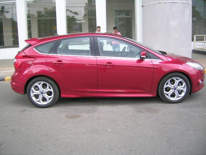 Mua xe Ford Focus Ecoboost trả góp tại TPHCM