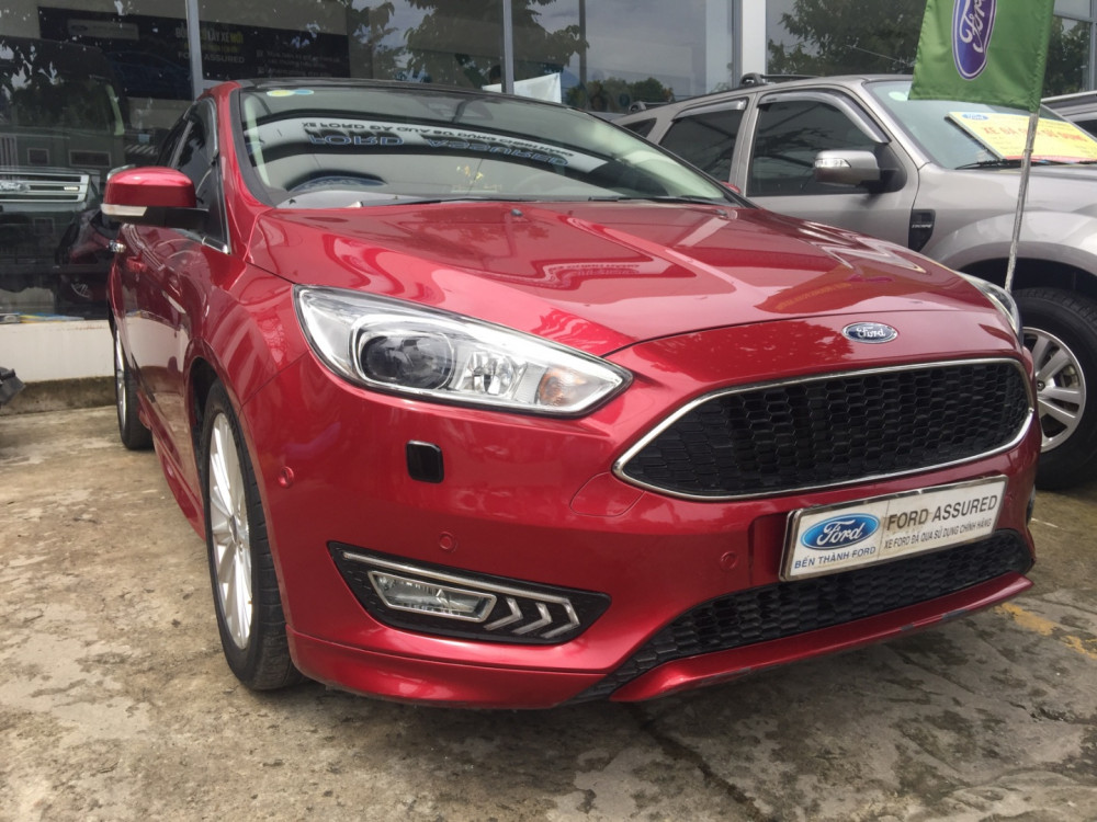Xe Ford Focus Ecoboost giá bao nhiêu?