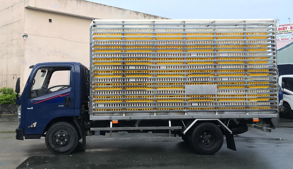 Giới thiệu xe tải Hyundai IZ65 Gold  thùng chở gà 3,5 tấn(1)