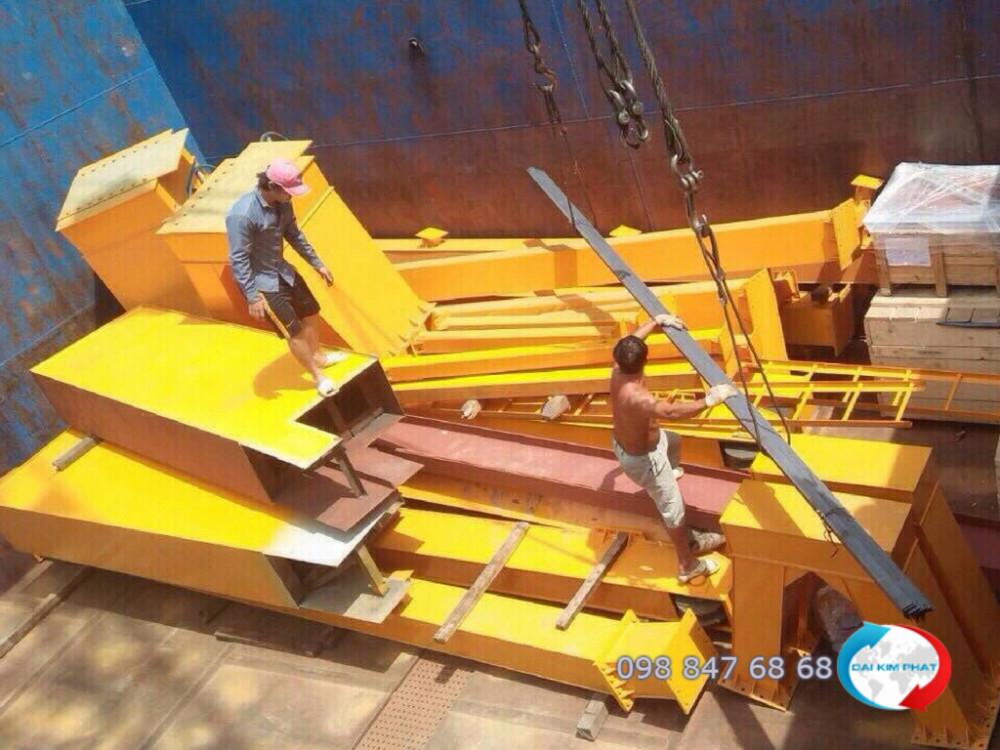 Vận chuyển sắt thép công trình - vận chuyển khung nhà thép tiền chế bằng sà lan