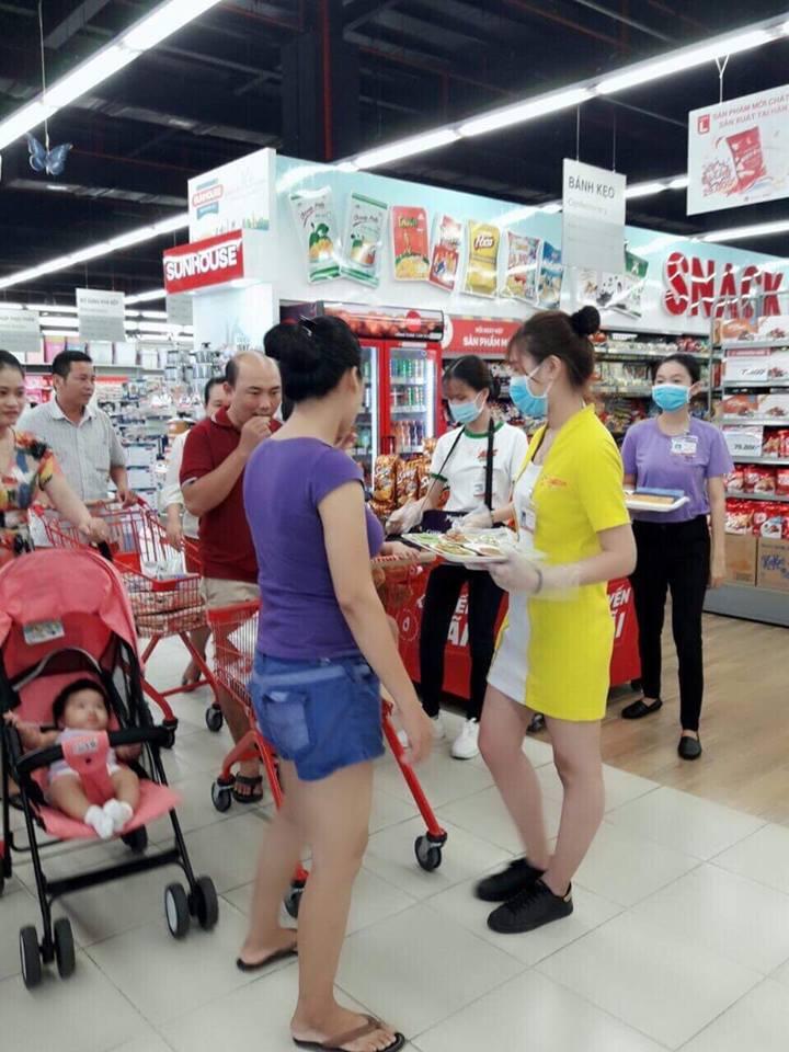 Chương trình khuyến mãi hè và Sampling Tân Tân(6)