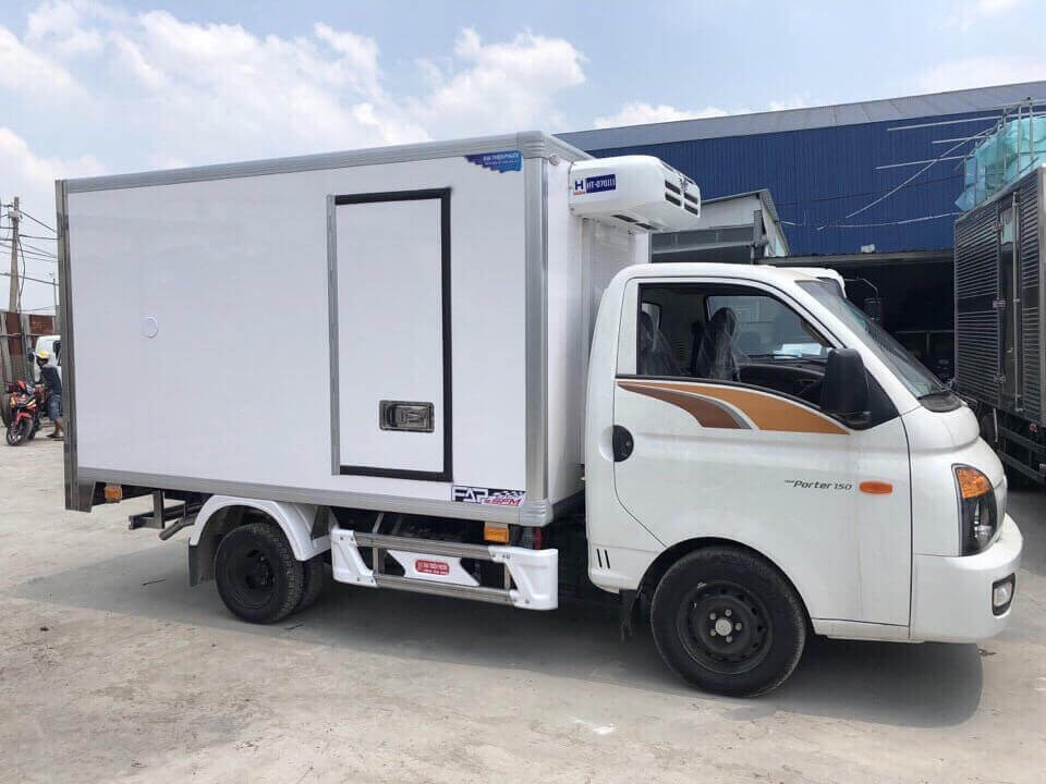 xe tải H150 1.5 tấn thùng lạnh