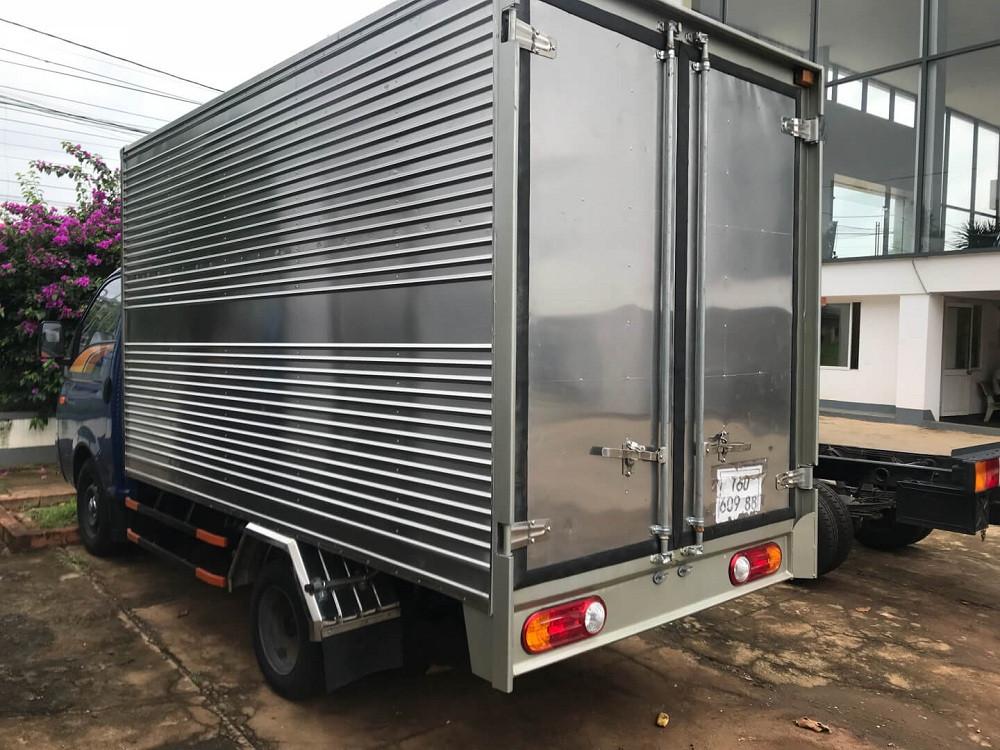 xe tải H150 1.5 tấn thùng kín inox
