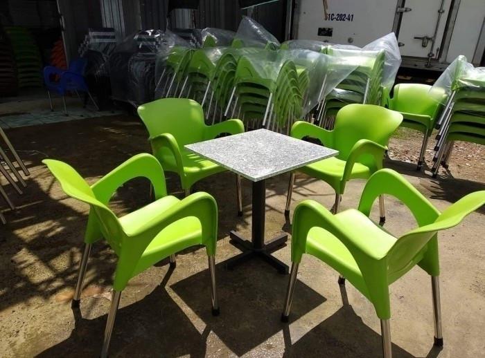 Chọn mua ghế nhựa cafe ngoài trời