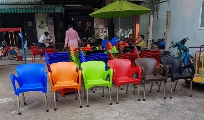 Ghế nhựa cafe chân inox giá rẻ tại TPHCM