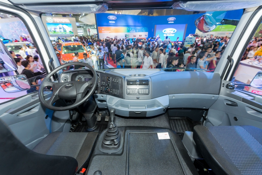 nội thất xe tải fuso fj 3 chân 15 tấn