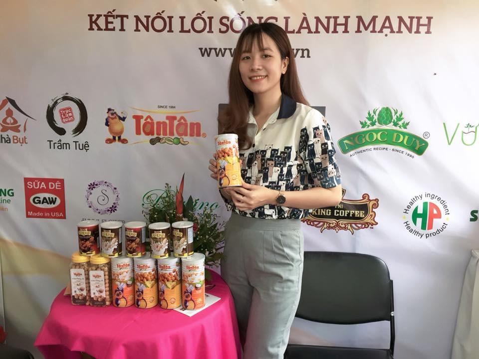 Tân Tân có mặt tại lễ hội văn hóa ẩm thực chay(2)