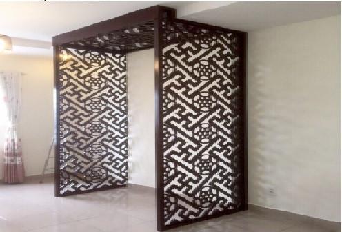 Tháng 8 - mẫu vách ngăn CNC phòng thờ với phòng khách bằng gỗ(1)