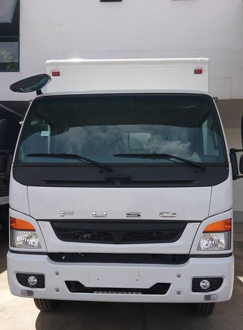 xe tải fuso fi thùng kín composite