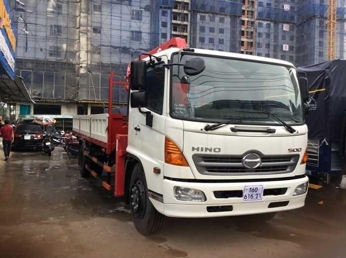 xe tải Hino gắn cẩu 8 tấn