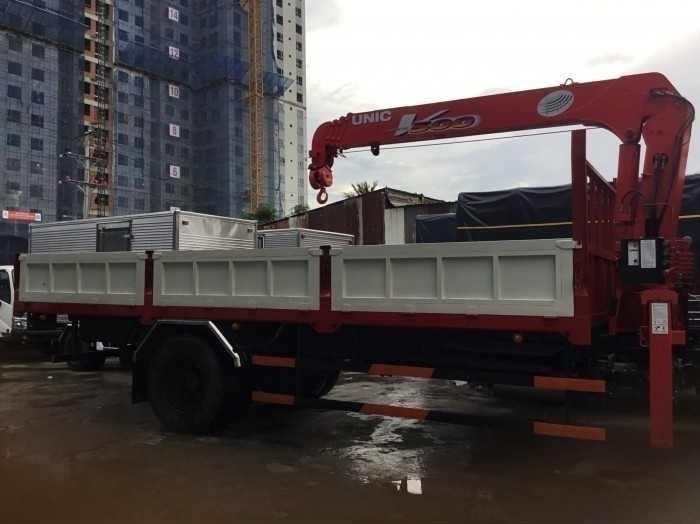xe tải Hino gắn cẩu 8 tấn unic 500