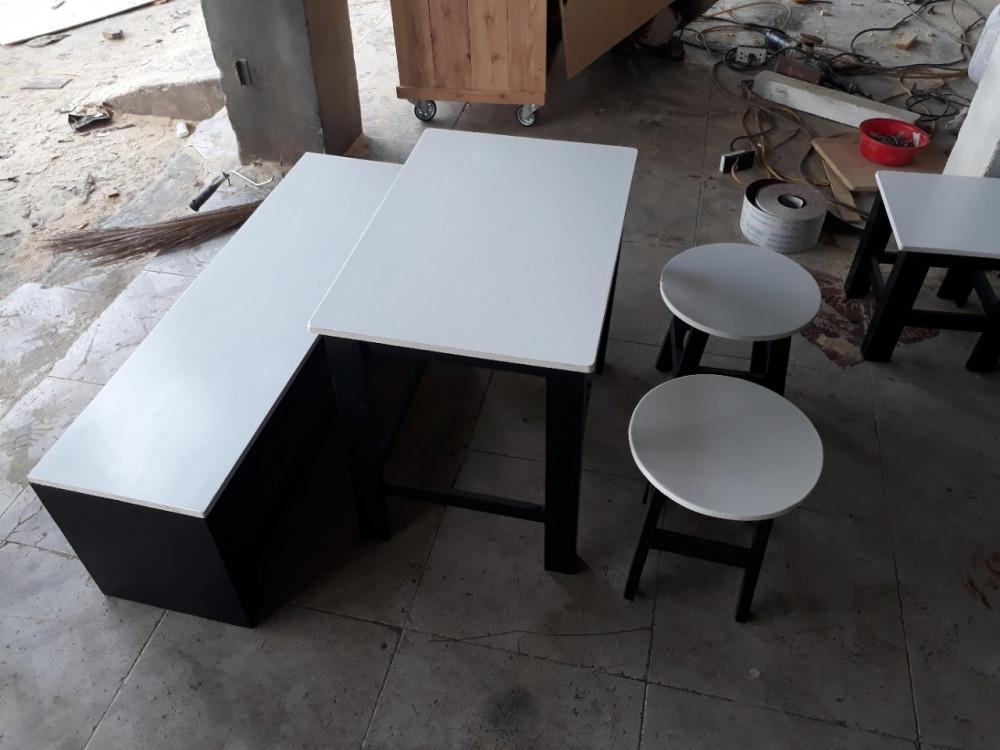Mẫu bàn ghế ngồi bệt quán cafe, trà sữa đẹp