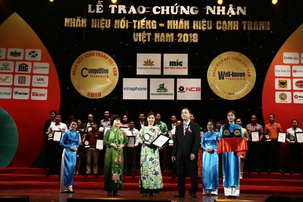 Tân Tân được vinh danh 'Nhãn hiệu nổi tiếng Việt Nam 2018'(1)