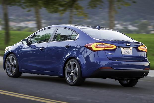 Thuê xe Kia tự lái giá rẻ - Kia Forte