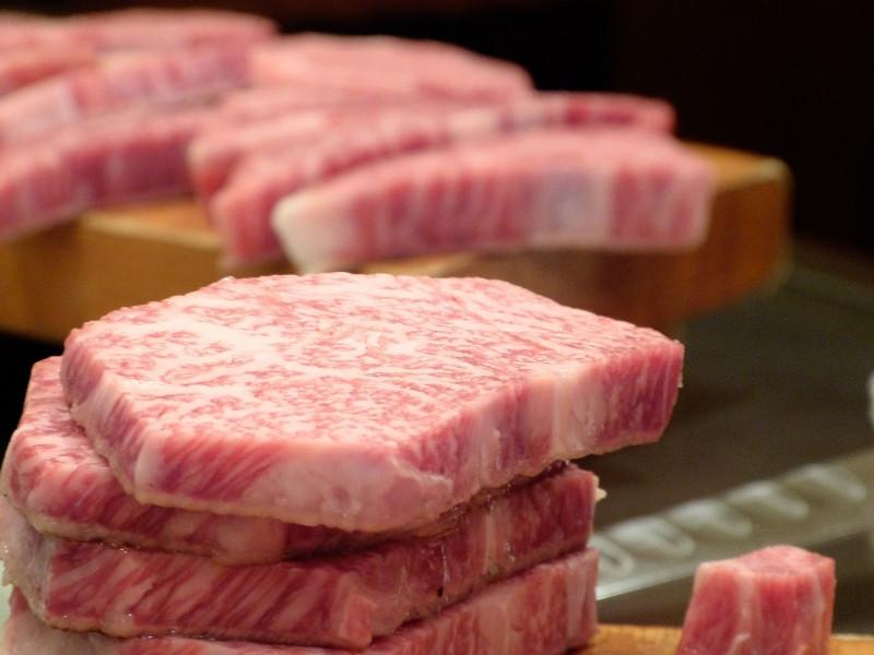 Hỏi đáp nhanh: Công dụng của Polyphosphate trong chế biến thịt