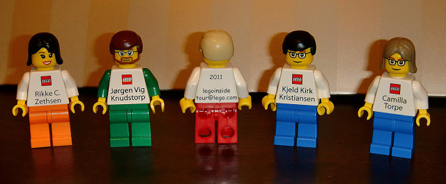 mẫu card visit độc đáo nhất thế giới đến từ hãng Lego 2