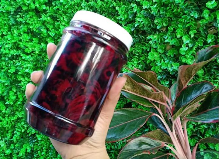 Hướng dẫn cách ngâm hoa atiso đỏ làm nước uống(2)