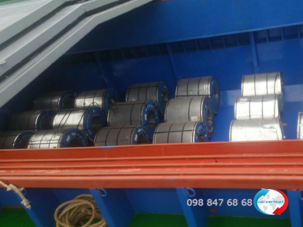 Vận chuyển hàng hóa bằng sà lan - vận chuyển sắt thép xây dựng bằng sà lan