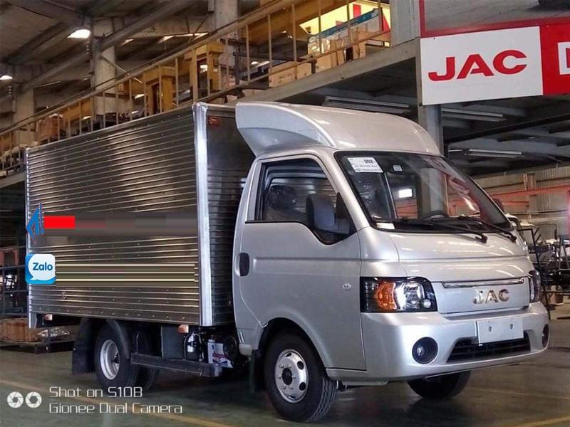 Xe tải Jac 990 kg máy dầu, lốp đôi, trả trước 50 triệu