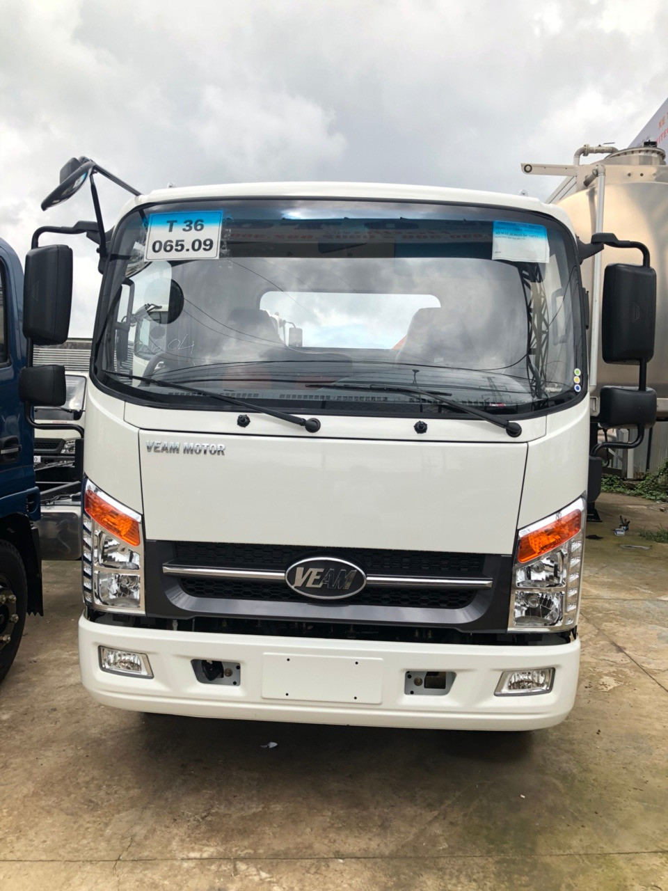 Mua xe tải Veam VT260 trả góp tại TPHCM