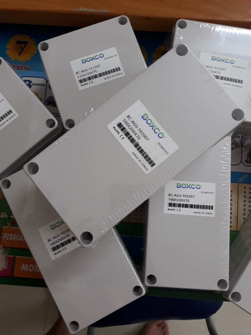Chọn mua hộp điện nhựa Hàn Quốc ip 67 giá rẻ tại TPHCM
