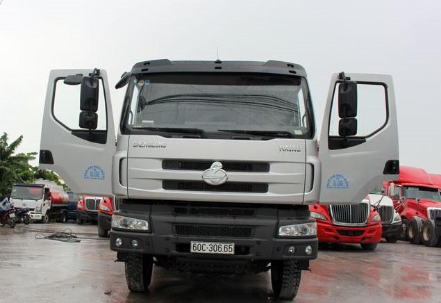 Xe tải ben Chenglong 4 chân nhập khẩu