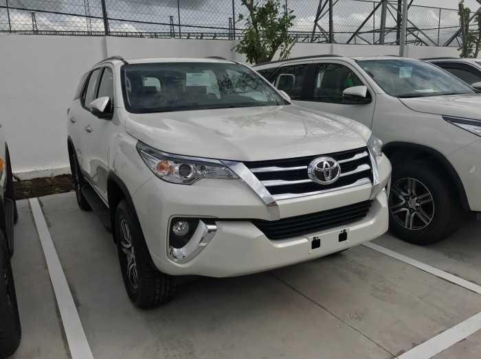 So sánh giá Chevrolet Trailblazer và Toyota Fortuner(4)