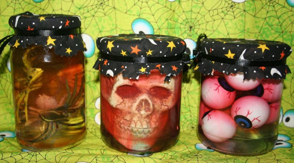 Mách bạn những ý tưởng cực hay ho cho lễ hội Halloween - Mẫu decal ấn tượng trang trí Halloween 17
