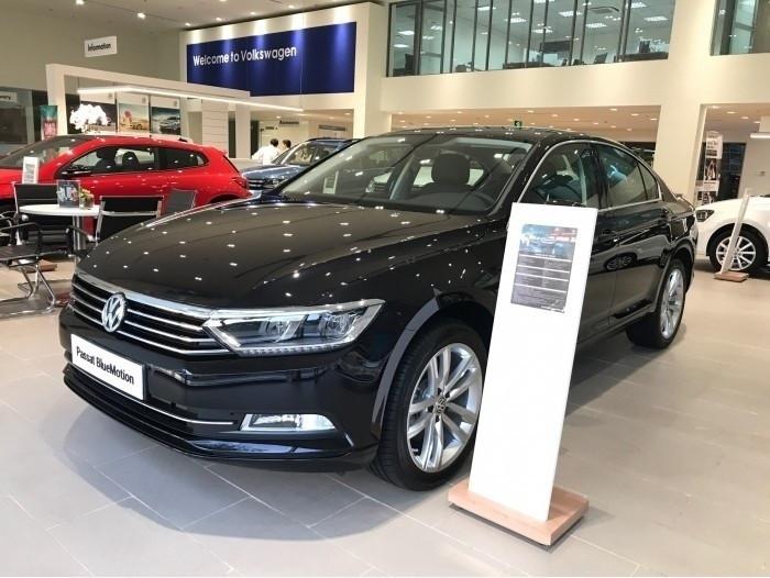 Volkswagen Passat Bluemotion - Dòng xe nhập khẩu từ Đức khiến đối thủ phải dè chừng