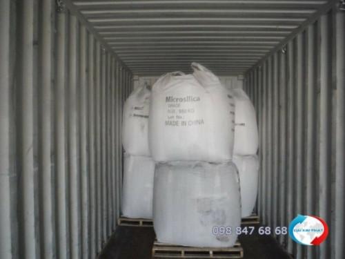 Kiểm hóa hàng quá cảnh micro silica (muội silic dùng trong xây dựng để làm tăng tính đặc chắc cho bê tông) trong container từ Trung Quốc xuất sang Campuchia