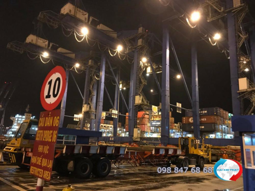 Khai thác hàng xuất nhập khẩu trong đêm - Dịch Vụ Hải Quan Trọn Gói - XNK Đại Kim Phát