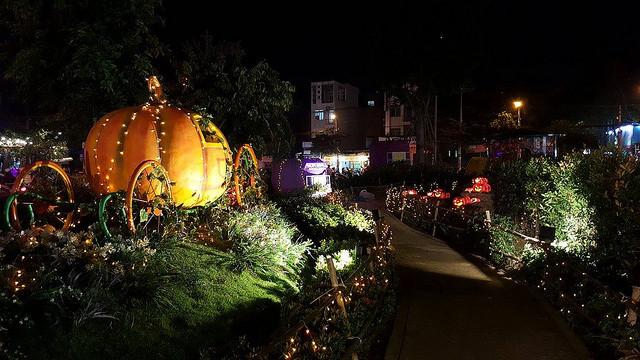 Dịch vụ trang trí Halloween giá rẻ TPHCM - Trang trí Halloween rùng rợn, đơn giản, dễ thương, kinh dị - theo chủ đề tùy chọn - Làng Bí thần tiên 1