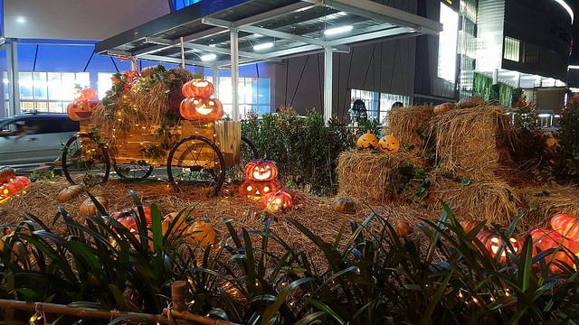 Dịch vụ trang trí Halloween giá rẻ TPHCM - Trang trí Halloween rùng rợn, đơn giản, dễ thương, kinh dị - theo chủ đề tùy chọn - Làng Bí thần tiên 2