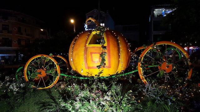 Dịch vụ trang trí Halloween giá rẻ TPHCM - Trang trí Halloween rùng rợn, đơn giản, dễ thương, kinh dị - theo chủ đề tùy chọn - Làng Bí thần tiên 3
