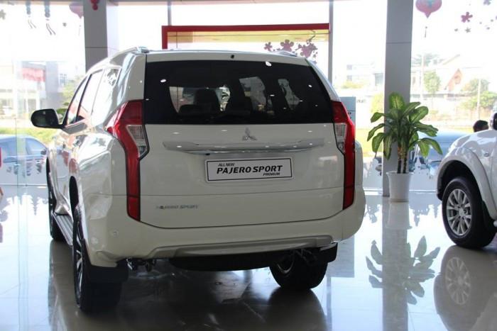 So sánh giá, hiệu năng Chevrolet Trailblazer và Mitsubishi Pajero Sport  (3)