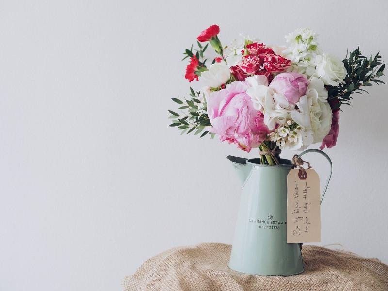 Đào tạo cắm hoa để mở shop kinh doanh