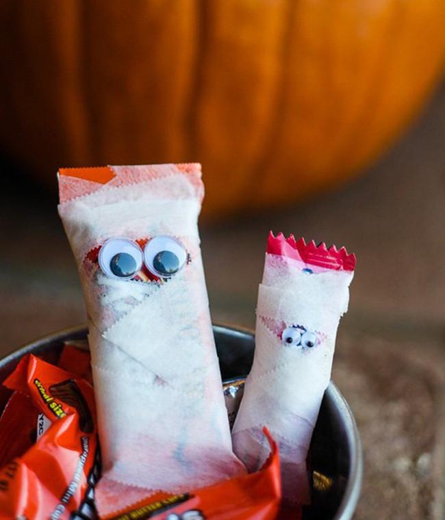Trang trí Halloween trong tích tắc - Ý tưởng mẫu PP cán format trang trí Halloween cực đẹp 3