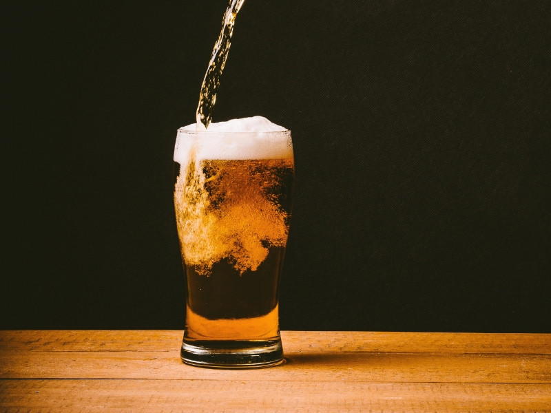 Gội đầu với bia tuyệt chuyên giúp chăm sóc và phục hồi tóc hư tổn hiệu quả(2)