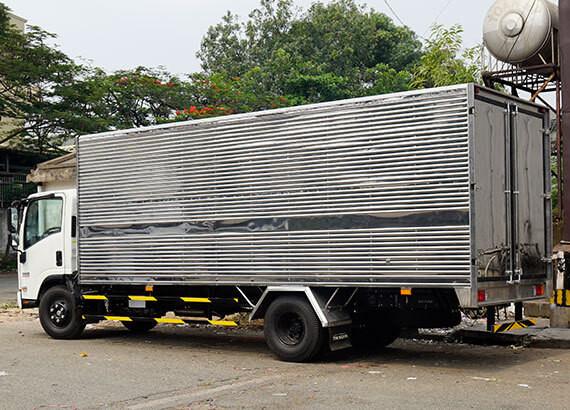 Hình ảnh xe tải Isuzu 5.5 tấn thùng kín