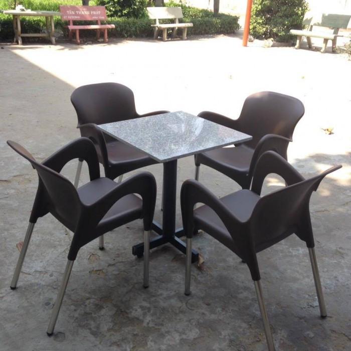 Bàn ghế cafe ngoài trời bằng nhựa