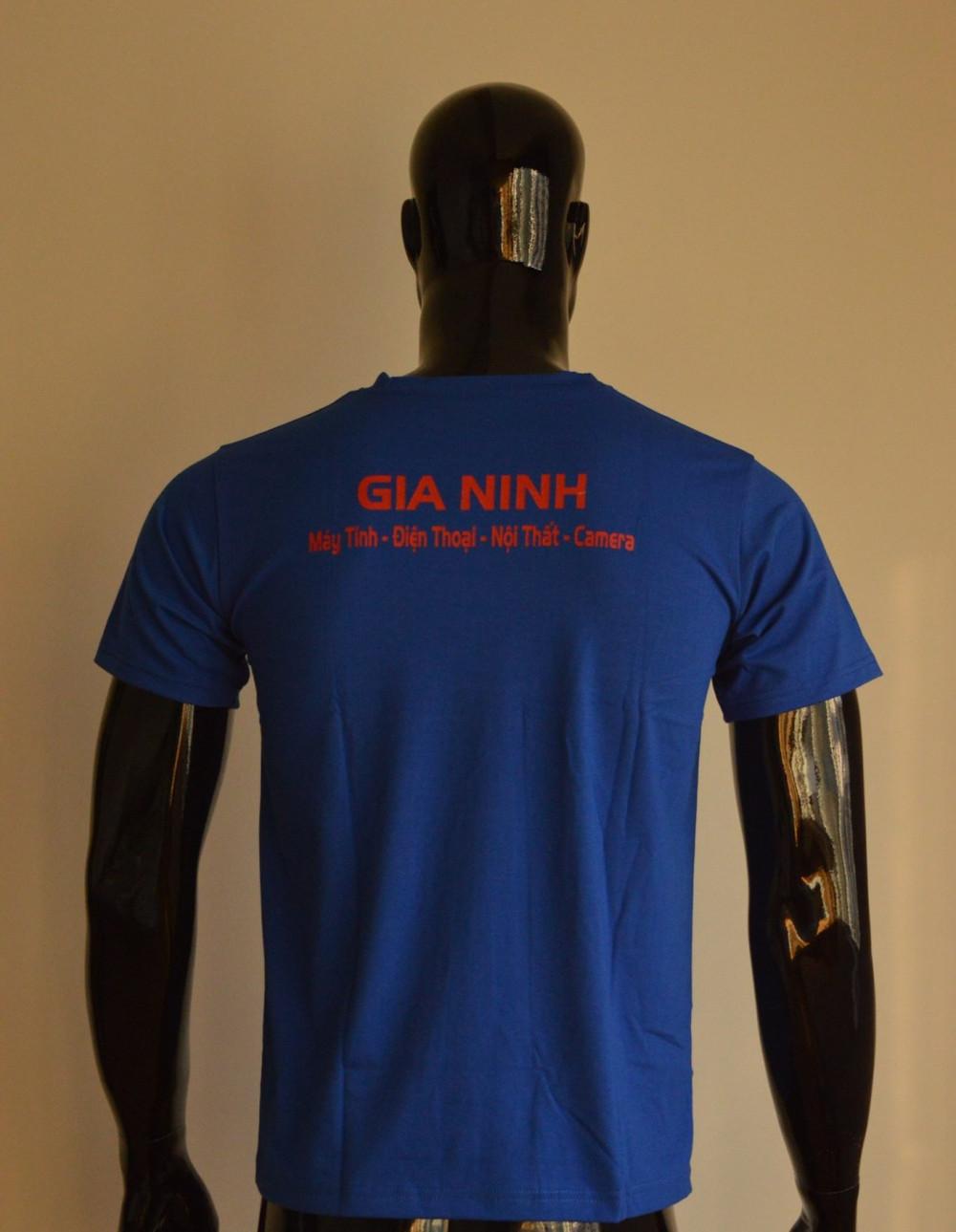 Mẫu áo thun cá sấu màu xanh da biển phối chữ đỏ- tay ngắn, cổ tròn cho nam (1)