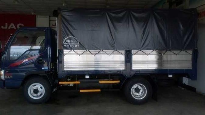 Mua xe tải Jac 2t4 trả góp tại TPHCM(1)