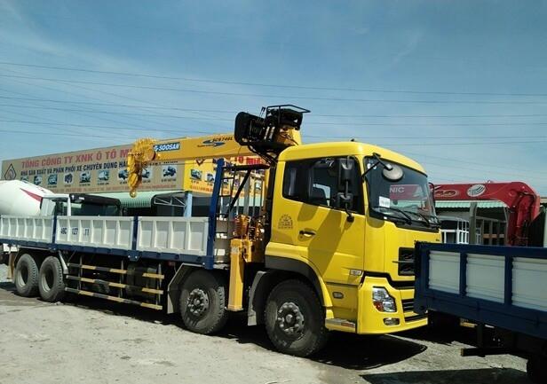 Giá 5 dòng xe tải gắn cẩu tốt nhất tại Ô Tô Miền Nam