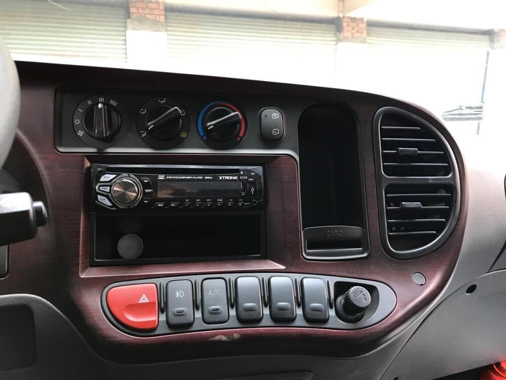 Nội thất xe tải Hyundai 8 tấn HD120sl sang trọng, tiện nghi giải trí đa chiều - 1